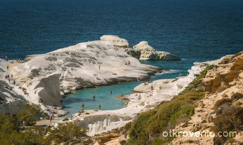 о.Милос е известен с екзотичните си плажове-лагуни