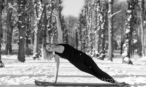 Йога в снега