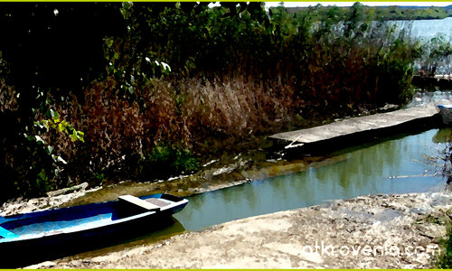 Пейзаж със синя лодка