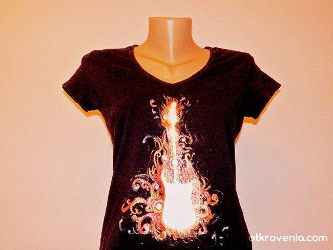 """""""Огнената китара"""" - ръчно рисувана тениска"""
