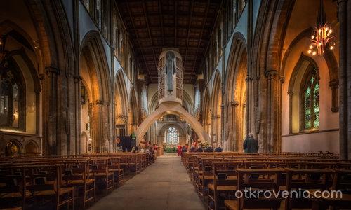 Llandaff Cathedral - interoir, Cardiff