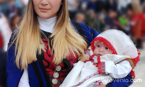 Българската Мадона с младенеца