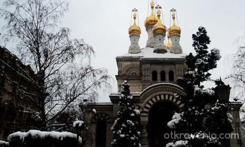 Църква в снежния град