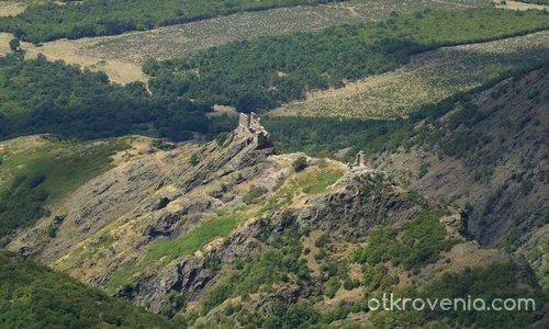 Крепостта Анево Кале край Сопот