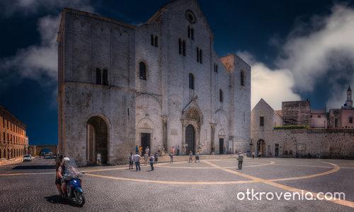 Basilica San Nicola - Bari, Italy