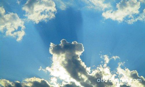 """""""... че той отпред на облака стоеше..."""""""