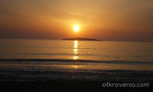 Изгрев :-)... на морето