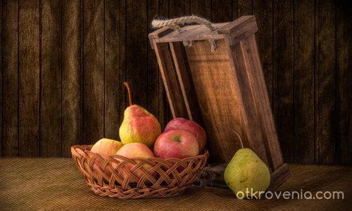 Натюрморт с ябълки и...круши