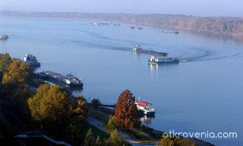 Утро над реката /Изглед от 808/