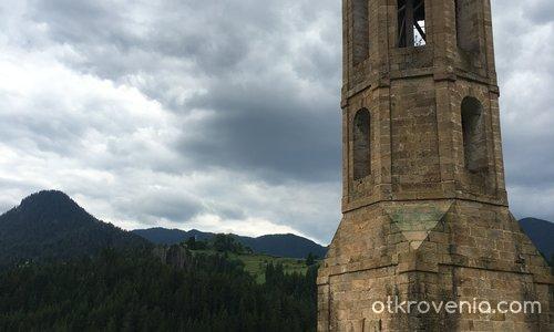 """Камбанарията на храм ,,Света Неделя"""" в с.Солища"""