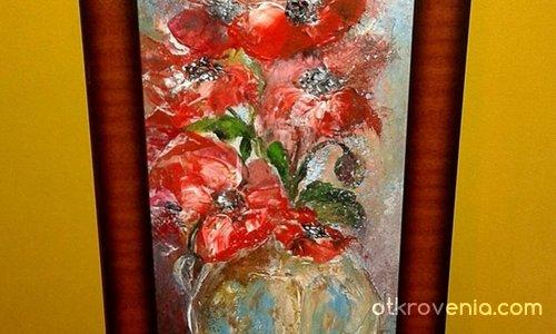 Антична ваза с макове