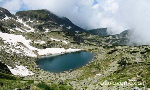 Горно прекоречко езеро