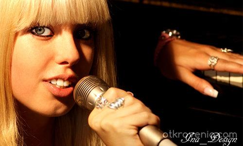 Аз, певица :))) в ролята Рали