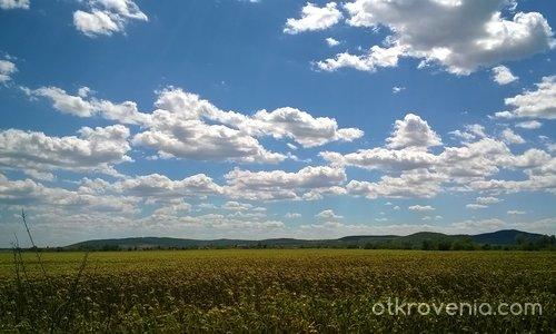 Лято с перчеми от облаци