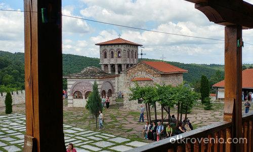 Гигински Манастир- камбанарията
