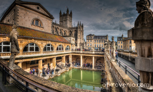 Great Bath of the Roman Bath in Bath, Somerset, UK
