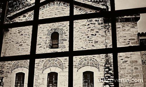 Из Бачковския манастир
