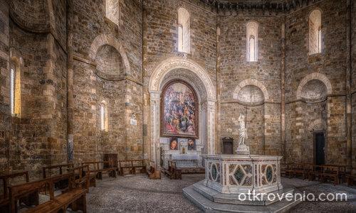 Baptistery San Giovanni, Volterra, Italy