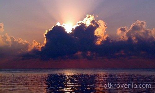 Изгрев - и поздрави на приятелите от сайта, които ще се срещнат на 25 край морето във Варна!