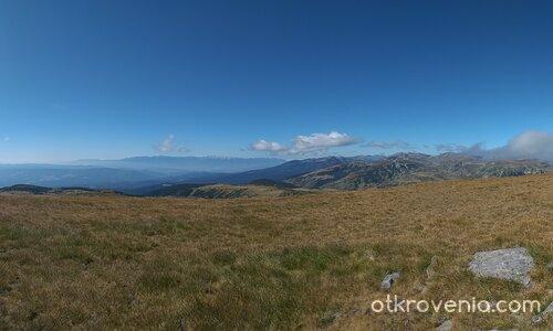 Панорама от връх Ибър