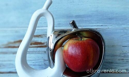 """Намигване към """"Ябълка-та"""" на Доби"""