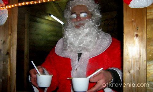 Дядо Коледа раздава супа